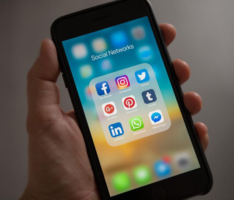social media apple apps